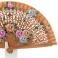 Abanico cuero diseño flores madera calada 110367