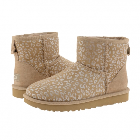https://cache1.paulaalonso.es/11575-113231-thickbox/botas-1013494-classic-mini-snow-leopard-ugg.jpg
