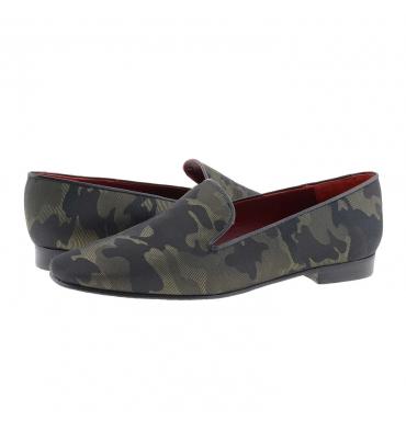 https://cache1.paulaalonso.es/11579-112515-thickbox_default/zapatos-estilo-sleepers-camuflaje-y-piel-negra.jpg