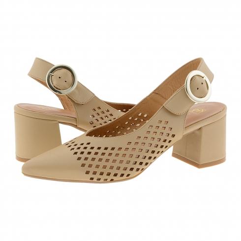 https://cache1.paulaalonso.es/11984-115403-thickbox/zapatos-destalonados-piel-camel-punta-fina.jpg