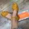 Sandalias piel amarilla estilo cangrejeras Porronet 117432